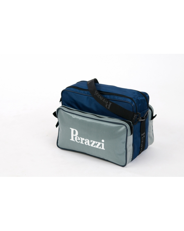 Sporting bag with double pockets